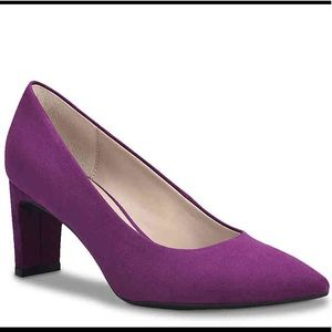 "Unisa Pumps (New) 2¾"" Heel"